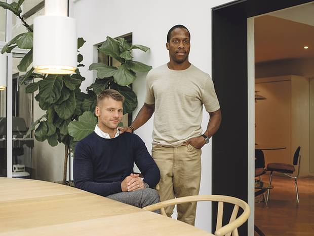 Stefan Weisgerber and Byron Peart expanded their apartment by building a solarium onto the terrace. The rest of the home is equal parts design savvy and practical.