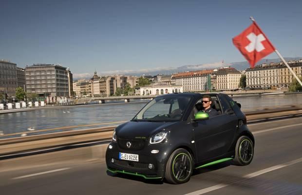 A 2018 Smart EV driving in Geneva.