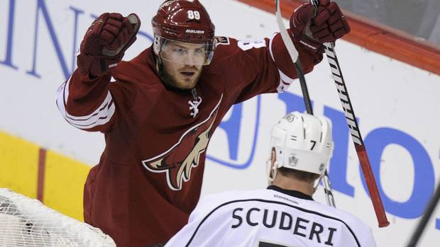 Phoenix Coyotes right wing Mikkel Boedker (89) celebrates his 2nd period goal against the Los Angeles Kings during Game 1 of the NHL Western Conference hockey finals in Glendale, Arizona, May 13, 2012. REUTERS/Todd Korol