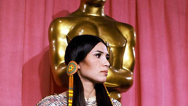 Marlon Brando refuses Oscar (1973) Everyone in Hollywood expected Marlon Brando to win Best Actor for his portrayal of mob patriarch Don Corleone in The Godfather–including Brando himself, who boycotted the ceremony and sent a woman named Sacheen Littlefeather to officially refuse the award on his behalf. Attired in full ancestral Apache wear, Littlefeather delivered a short speech decrying the stereotypical treatment given Native Americans by the film industry, which drew a smattering of polite applause, and a few boos, from the bewildered crowd.