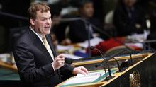 Canadian Foreign Minister John Baird addresses the United Nations General Assembly in New York on Nov. 29, 2012. (CHIP EAST/REUTERS)