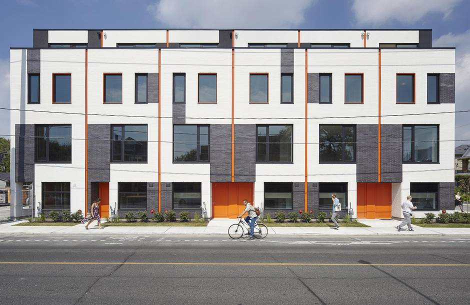Modern townhouses that give toronto a new design recipe for Modern townhouse architecture