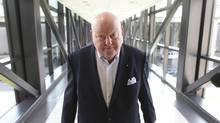 Senator Mike Duffy arrives at the Ottawa airport on May 20, 2013. (DAVE CHAN FOR THE GLOBE AND MAIL)