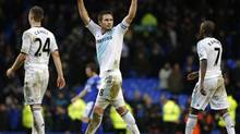 Chelsea's Frank Lampard reacts after their English Premier League soccer match (PHIL NOBLE/REUTERS)