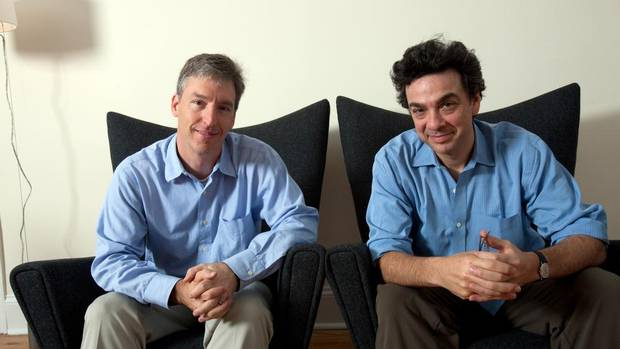 """steven levitt and conventional wisdom The book freakonomics is composed of a series of essays in which the  levitt's  details the theory that """"conventional wisdom is often wrong"""" in."""