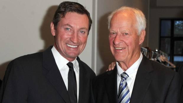 Wayne Gretzky and Gordie Howe at Toronto East General Hospital.