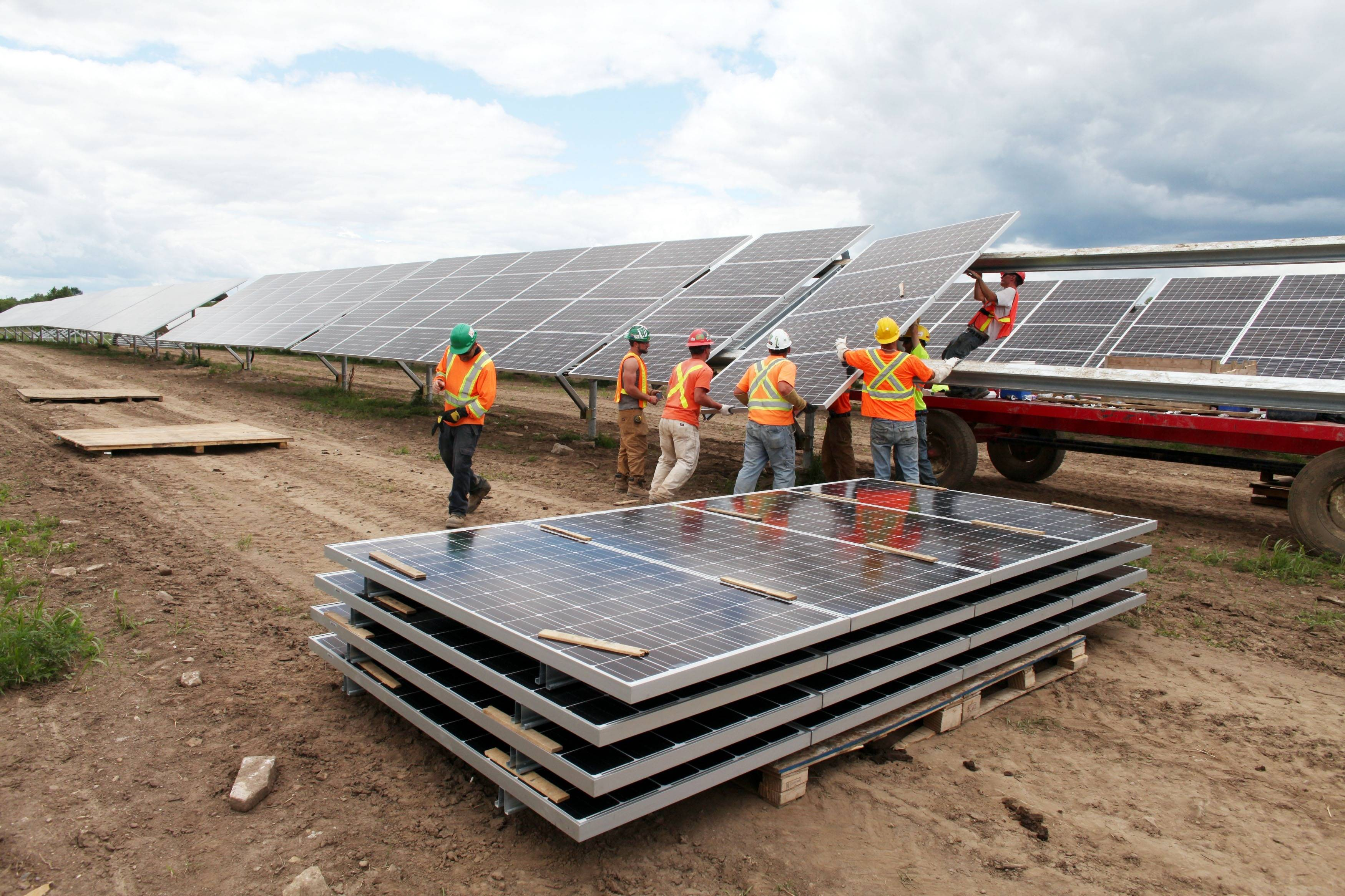 Solar power surging to forefront of Canadian energy - The