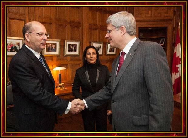 Robert E. Lee Goodwin III meets prime minister Stephen Harper on Oct. 17, 2012.