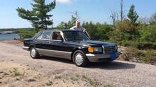 Tenor John McDermott and his a 1986 Mercedes 560 SEL. (S. Konrad Cetes)