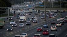 Traffic starts to grow heavy on Highway 401 in Toronto on Thanksgiving Monday. (Matthew Sherwood for The Globe and mail)