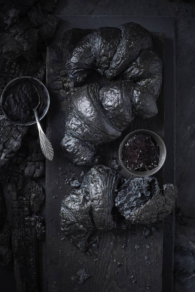 ARTISANAL MATTE BLACK DINNER PLATE, $12 THROUGH WWW.INDIGO.CA. AERO BLACK COLLECTION KNIFE, SET OF 5 FOR $89.95 THROUGH WWW.CRATEANDBARREL.CA.