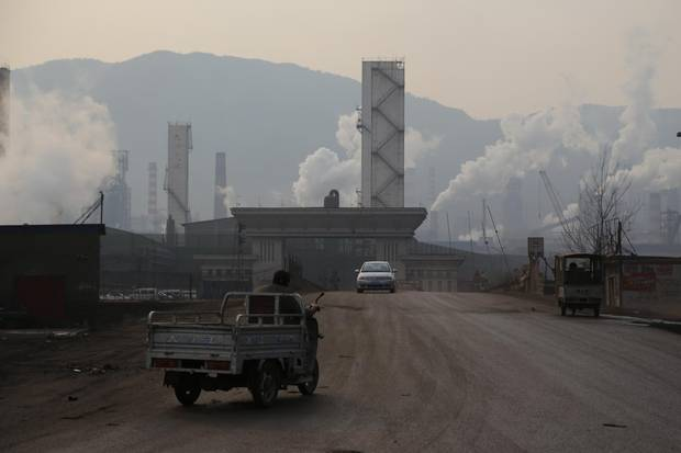 Industrial factories near Songting create such problems for the villagers, such as not being able to even see a car's length ahead in severe cases, they have protested the operations at least three times in the past two years.
