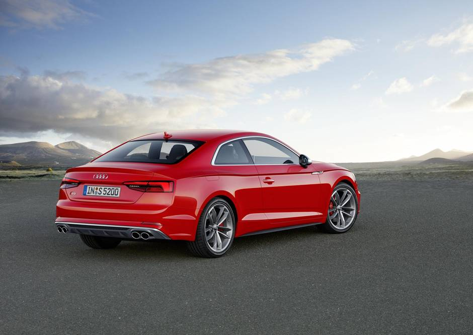 audi reveals more aggressive faster and lighter a5 and s5. Black Bedroom Furniture Sets. Home Design Ideas
