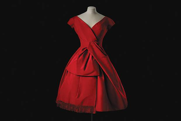 The Royal Ontario Museum's Christian Dior show documents the first decade of teh storied fashion house, starting in 1947.