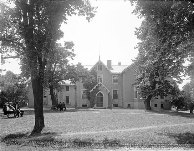 Anderson Cottage, Abraham Lincoln's summer White House, shown between 1905 and 1945.