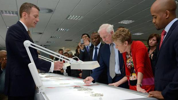 The vice-regal couple tour a diamond facility in Botswana, May 17. (Cpl. Vincent Carbonneau/Rideau Hall)