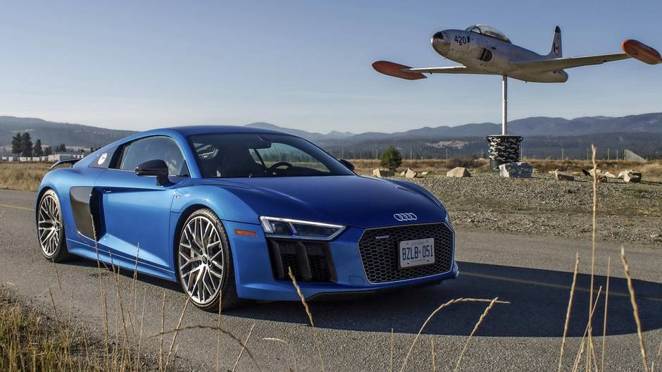 faceoff audi tts vs audi r8 the globe and mail. Black Bedroom Furniture Sets. Home Design Ideas