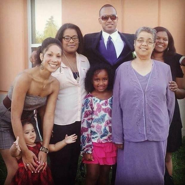 Lionel Desmond's twin sisters Cassandra Desmond and Chantel Desmond, his niece Aria, Lionel Desmond, Aaliyah Desmond, his grandmother Ardella Desmond, and his sister Kaitlin Desmond.