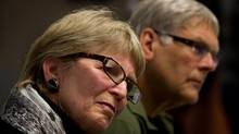 Lee Carter, left, and her husband Hollis Johnson attend a news conference in Vancouver in April, 2011. They accompanied her 89-year-old mother Kathleen (Kay) Carter, who suffered from spinal stenosis, to Switzerland in January, 2010, to end her life. (DARRYL DYCK FOR THE GLOBE AND MAIL)