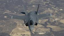 An industry group is urging the federal government to to proceed with an untendered purchase of F-35s. (Lockheed Martin)