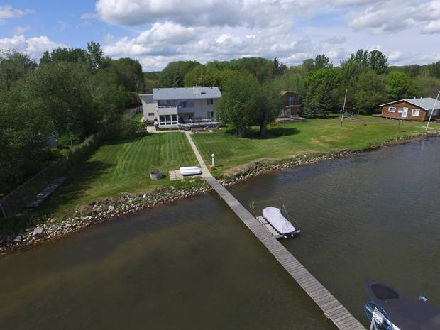 This large house fetched $1.15-million, the highest sale on Wabamun Lake this year.