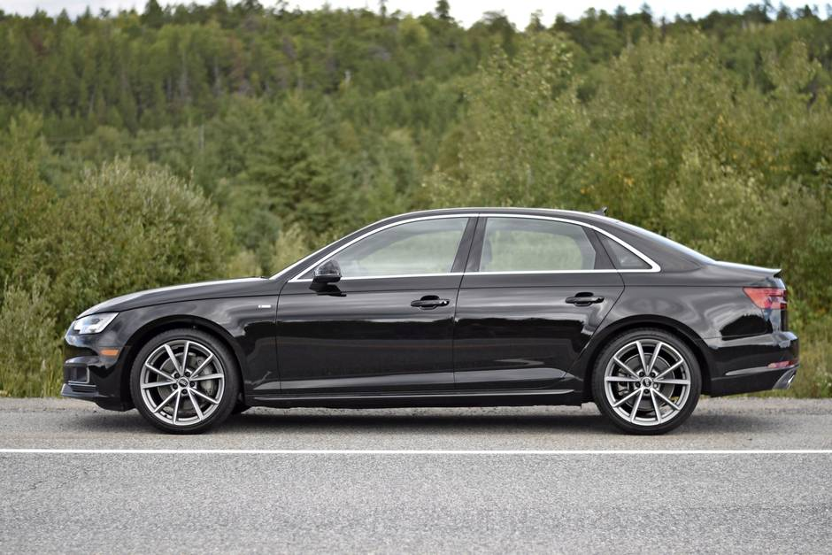 review 2017 audi a4 high tech cockpit leapfrogs its rivals the globe and mail. Black Bedroom Furniture Sets. Home Design Ideas