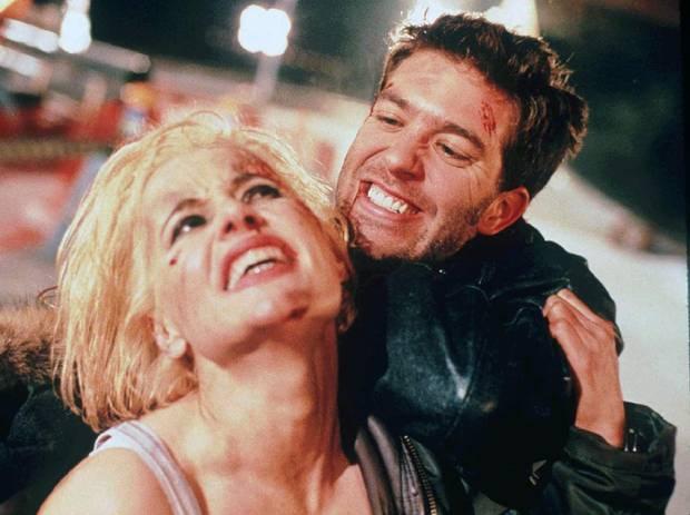 Geena Davis and Craig Bierko in Long Kiss Goodnight.