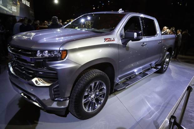 New Chevy Silverado pickup boasts lighter frame, diesel ...