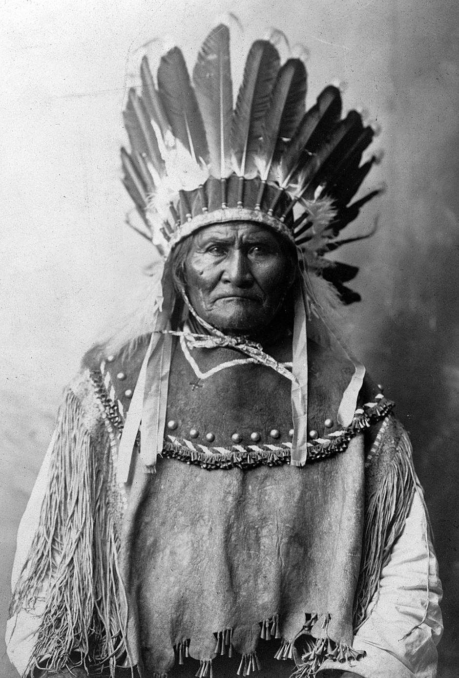 Archival images show Geronimo after his surrender in 1886 - The Globe and Mail