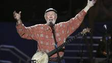 Musician Pete Seeger sings Amazing Grace during a concert celebrating his 90th birthday in New York in this May 3, 2009 file photo. (LUCAS JACKSON/REUTERS)