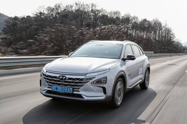 Review 2019 Hyundai Nexo Fcev Is A Great Car Out Of Its Element