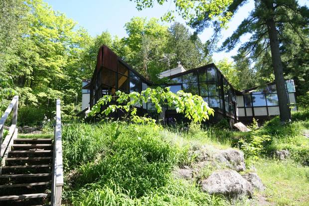 The 1956 family home of architect James William Strutt, on the Eardley Escarpment in the Gatineau Hills outside of Ottawa.