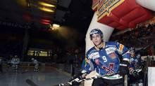Tyler Seguin from EHC Biel enters the arena prior to the Swiss championship hockey match between EHC Biel and Rapperswil-Jona Lakers, Saturday Sept. 29, 2012, in Biel, Switzerland. (Peter Schneider/AP)