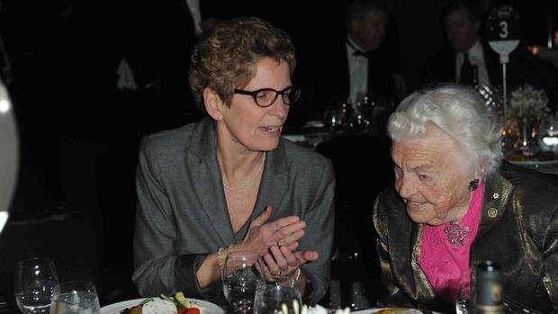 Kathleen Wynne and Mayor Hazel McCallion at the 125th Annual Dinner of the Toronto Board of Trade. (Tom Sandler For The Globe and Mail)