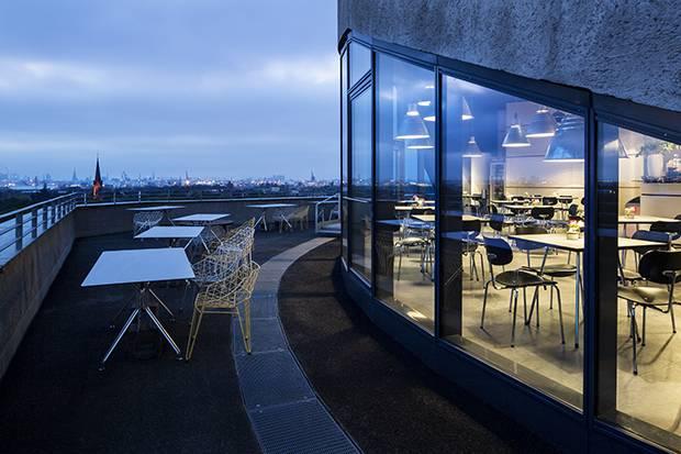 Café Vju has panoramic views of Hamburg.