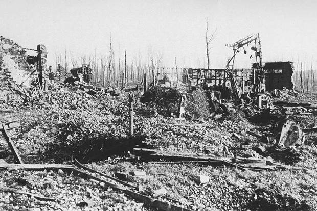 Railway station ruins at Beaumont Hamel in 1917.