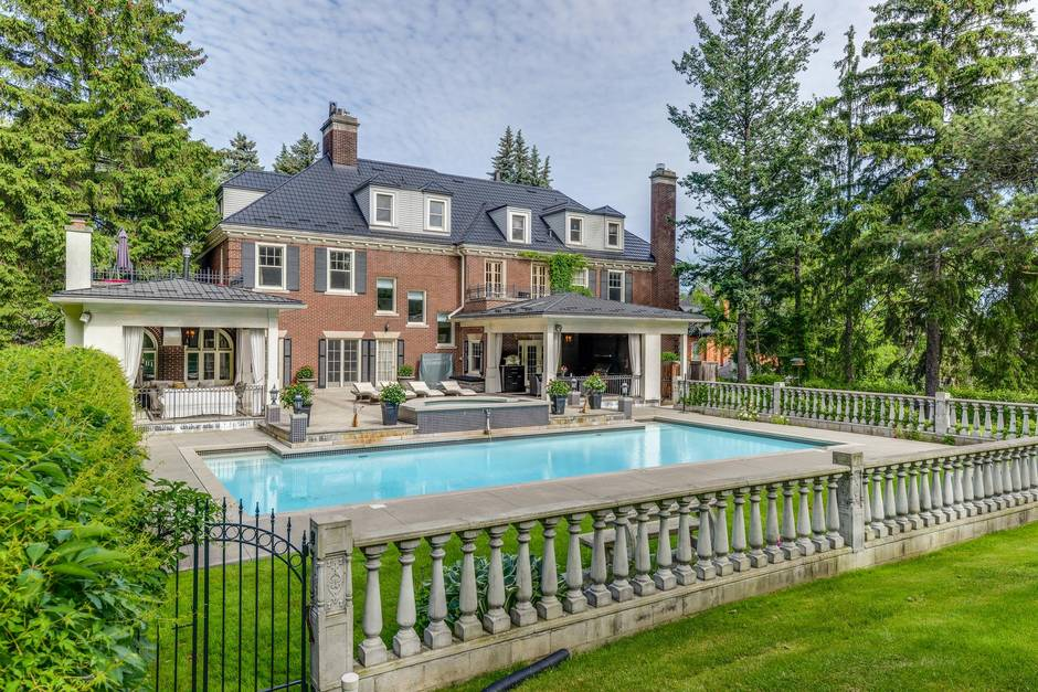 Home Of The Week Hamilton Tycoon S Mansion Hits The