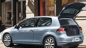 <p>2010 Volkswagen Golf</p>