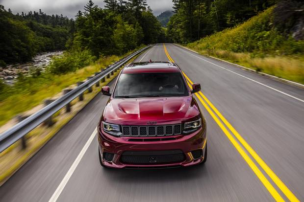 Review 2018 Jeep Grand Cherokee Trackhawk Is A Genuine Track Ready