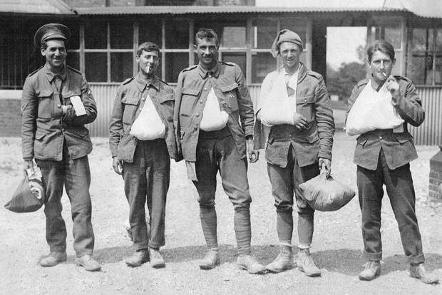 Lance Corporal Ernest Kelly (second from the right) was one of the Newfoundlanders and Labradorians wounded at Beaumont-Hamel. In this photo, taken four days after the battle, he poses with fellow survivors at Wandsworth Hospital, London.