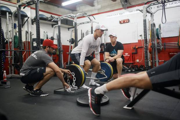 Edmonton Oilers star Connor McDavid pumps weights as part of his fitness regimen. Ottawa personal trainer Vania Hau recommends it for other men, too.