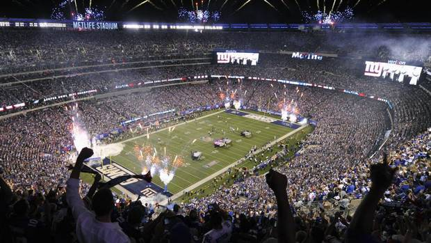 A general overall view of the Metlife Stadium as the New York Giants host the Dallas Cowboys in the opening game of the NFL season in East Rutherford, New Jersey, September 5, 2012. (RAY STUBBLEBINE/REUTERS)