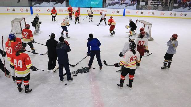 The CWHL's expansion teams scrimmage in Shenzen.
