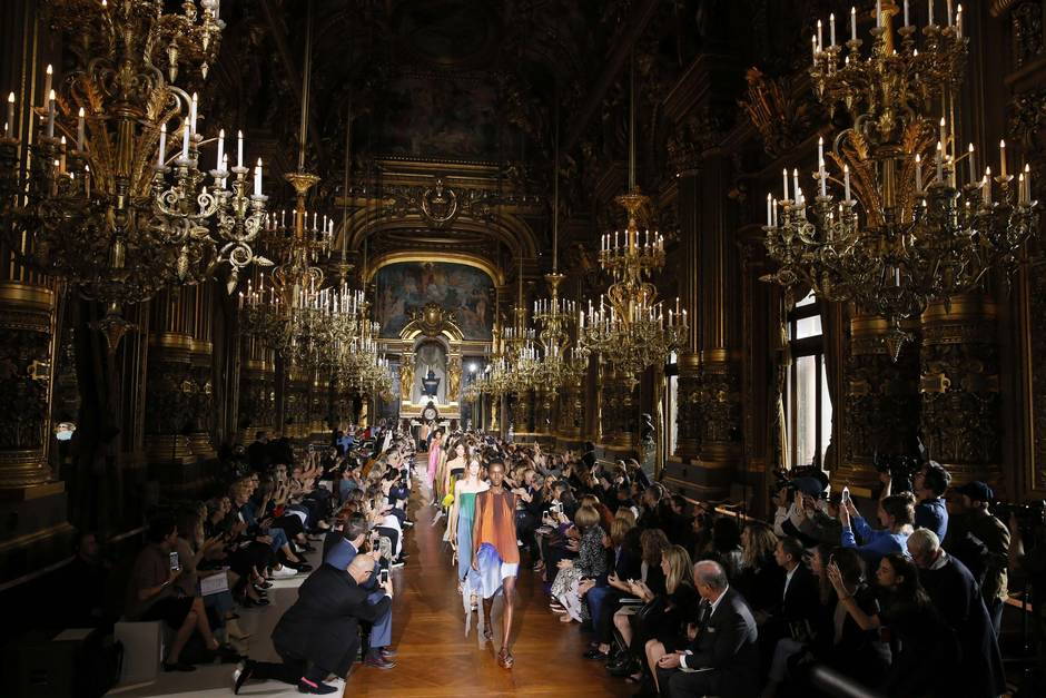 What role do fashion runways play in the Internet age?