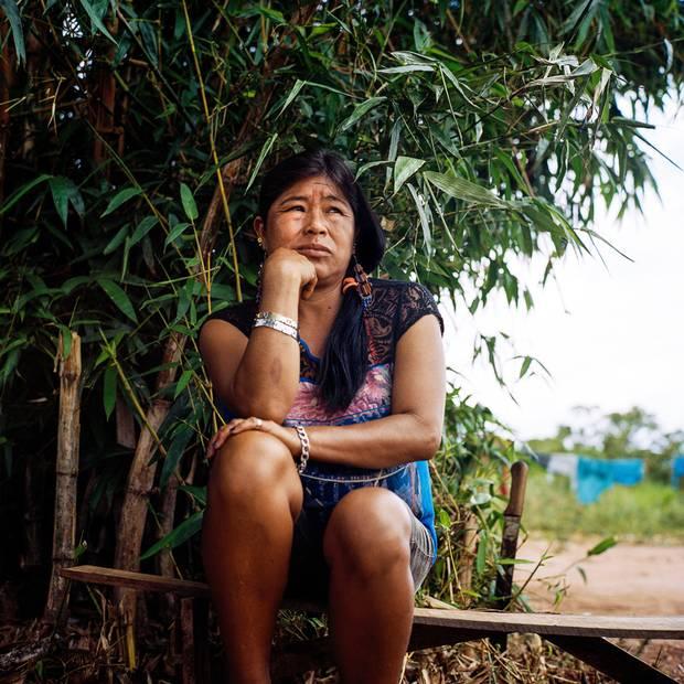 Araci Samor of Amambai, 41, lost her husband Nivaldo Chara Martin, 42, and son Michelleu, 15, to suicide.