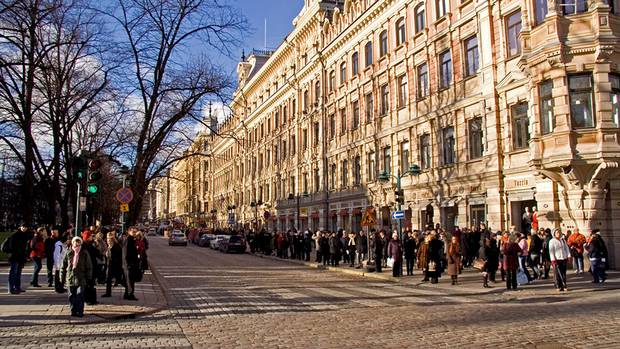 The average winter temperature in Helsinki is - 4, so you can easily enjoy a brisk stroll.