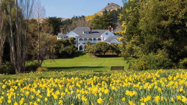 Otahuna Lodge, about 25 minutes from Christchurch in New Zealand, was originally a private mansion built in 1895 for Sir Heaton Rhodes, a politician and philanthropist. Now it is part of the Relais & Châteaux collection.