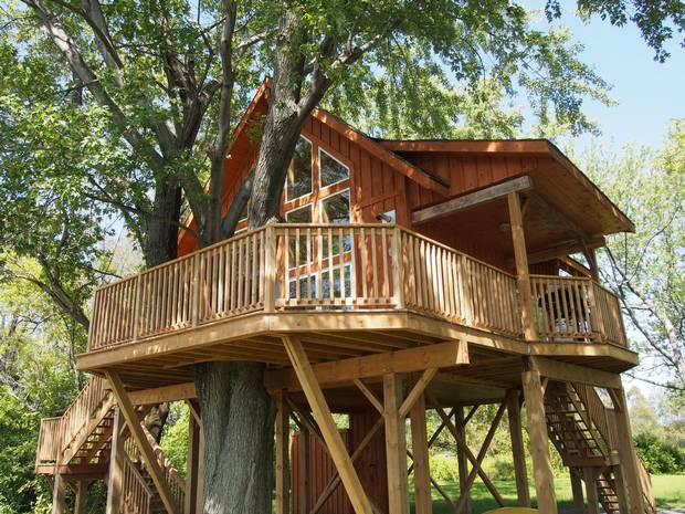 Robins Roost Treehouse, Ingleside, Ont.