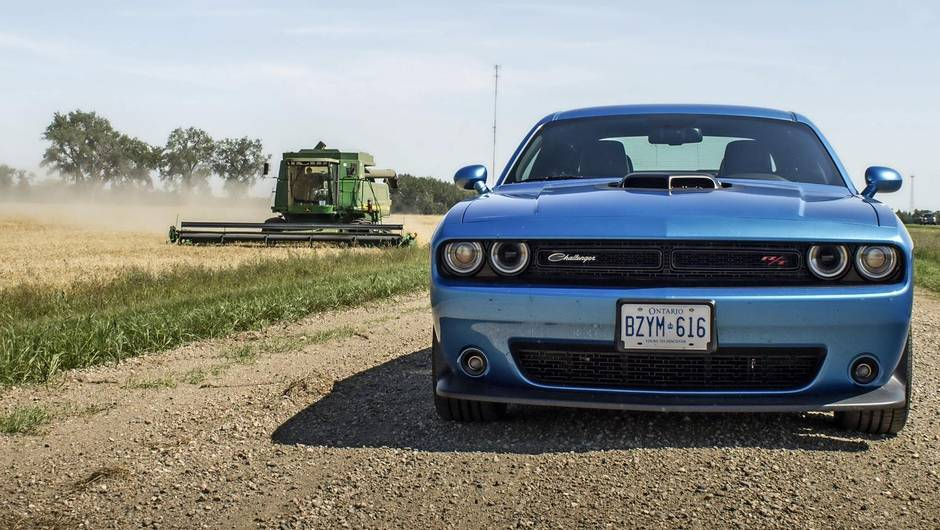 Review: 2017 Dodge Challenger is a big, old-fashioned, meathead of ...