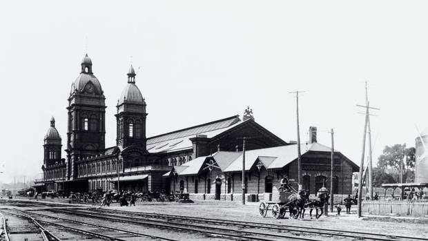 Old Union Station in Toronto, circa the 1880s before the Front Street addition was added in 1892. (Hemera Technologies/Getty Images)